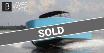 Vanquish-Yachts-VQ32-I-TENDER-I-SOLD-2015